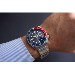 Seiko 5 Sports Superman SRPD53K1 Automatic 100M Red & Blue Dial Stainless Steel Bracelet Gents Watch